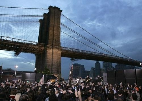 Live from Under the Brooklyn Bridge